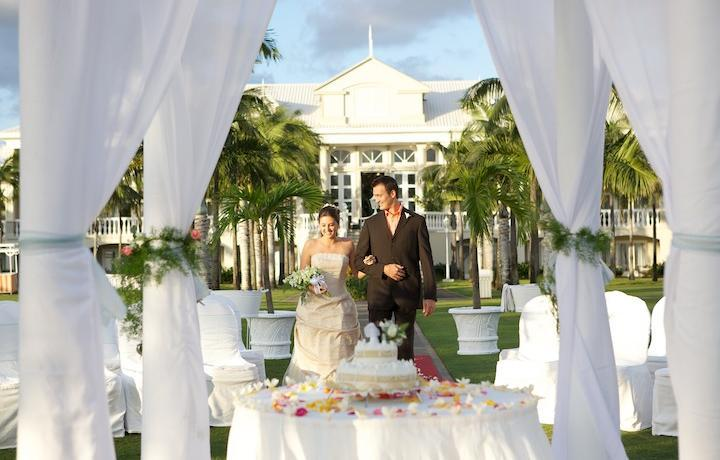 Have The Wedding Of Your Dreams At Sugar Beach A Sun